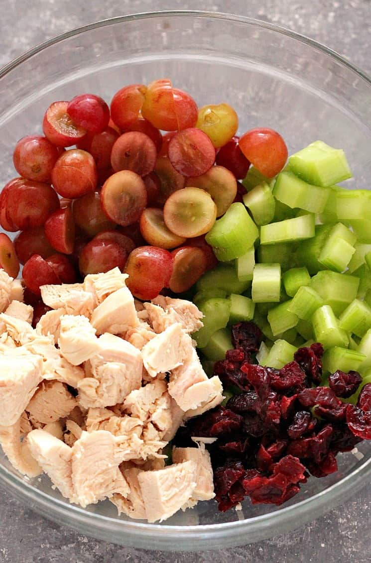 chicken salad with grapes 2b Easy Chicken Salad with Grapes Recipe