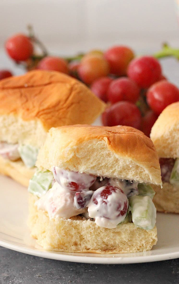 chicken salad with grapes 3b Easy Chicken Salad with Grapes Recipe