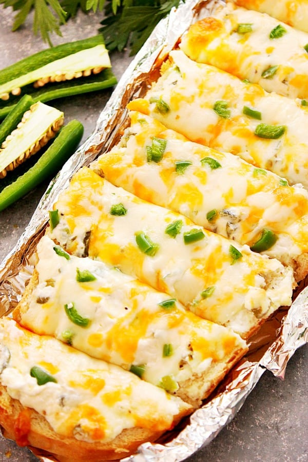 jalapeno popper cheesy bread A Cheesy Jalapeno Popper Bread Recipe