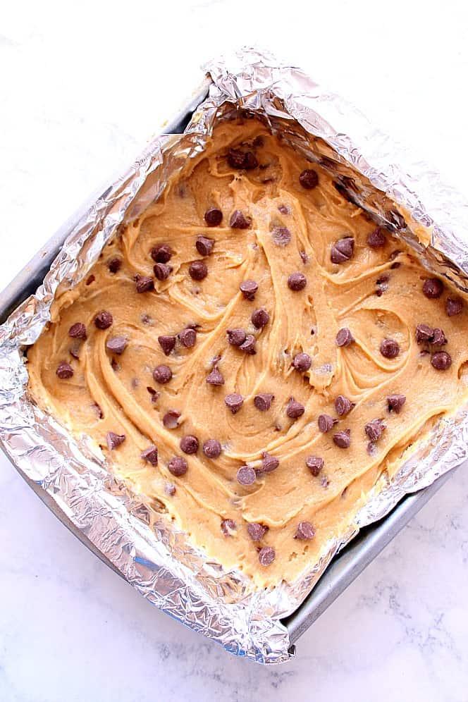 chocolate chip blondies bars 1 Chocolate Chip Blondies Recipe