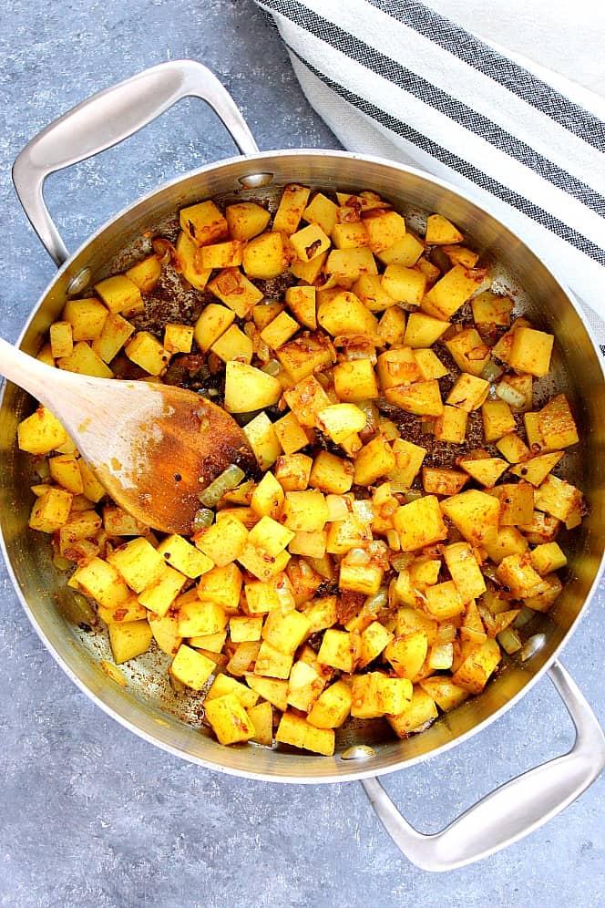 chickpea and potato curry 3 Easy Chickpea and Potato Curry Recipe (Chana Aloo)