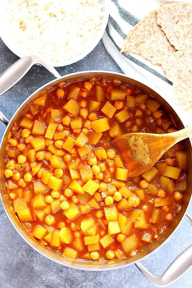 chickpea and potato curry 4 Easy Chickpea and Potato Curry Recipe (Chana Aloo)