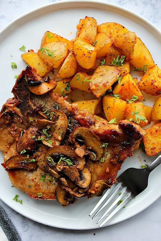 garlic mushroom pork chops 3 Garlic Butter Mushroom Pork Chops Recipe