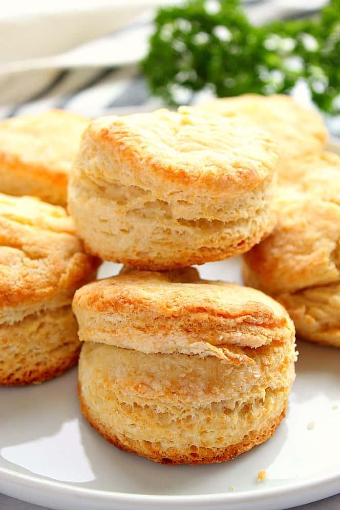 flaky buttermilk biscuits 2 Flaky Buttermilk Biscuits Recipe (VIDEO)