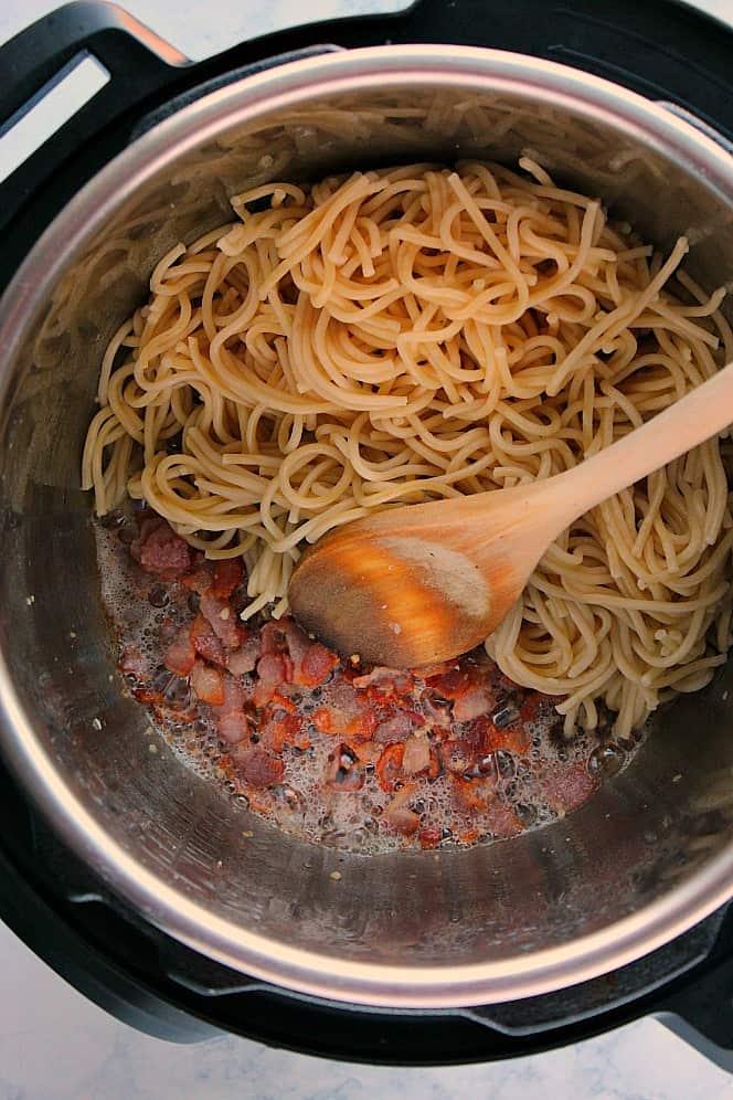 Instant Pot Pasta Carbonara 6a Instant Pot Pasta Carbonara Recipe