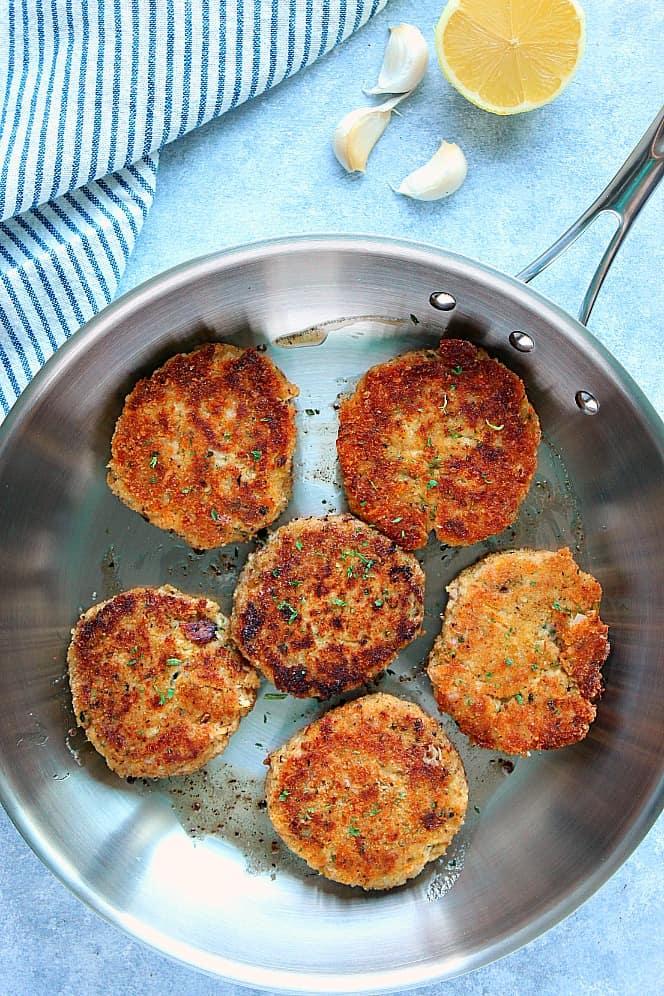 lemon garlic tuna cakes 3 Lemon Garlic Tuna Cakes Recipe