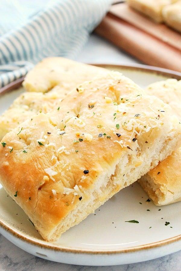Easy Focaccia Bread Crunchy Creamy Sweet