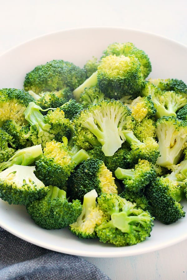 steamed broccoli B How to Steam Broccoli