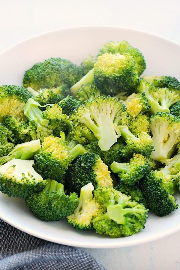 steamed broccoli B How to Steam Broccoli