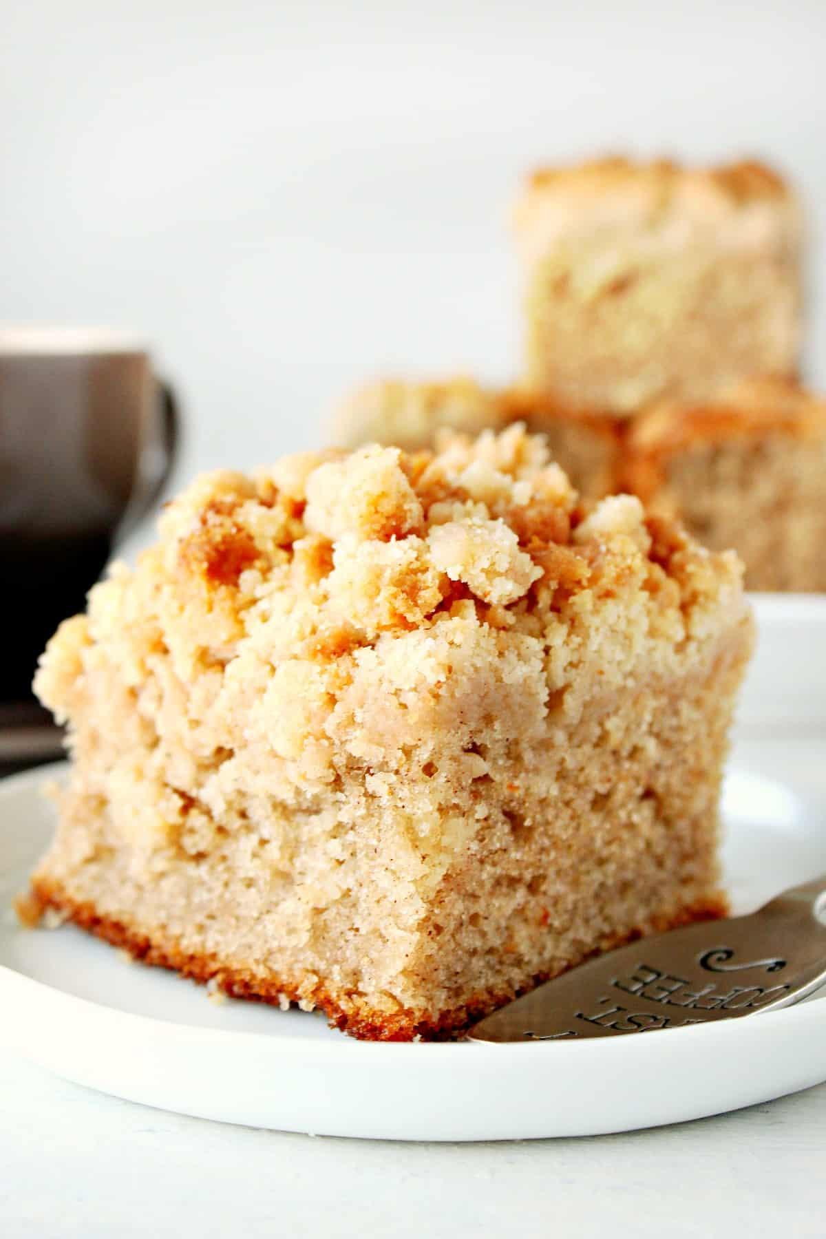 Bolo de migalha fácil Um bolo de migalha fácil