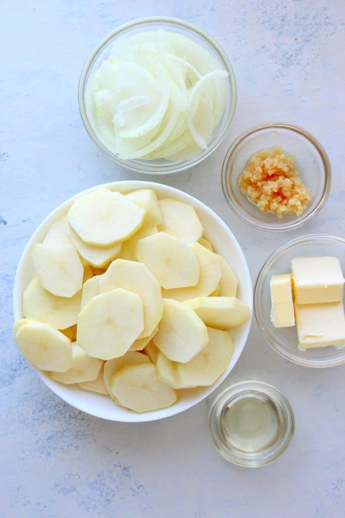 Lyonnaise potatoes ingredients 683x1024 Lyonnaise Potatoes