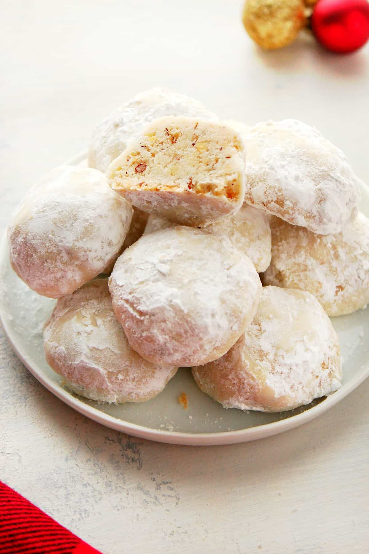 Snowball Cookies B Classic Snowball Cookies