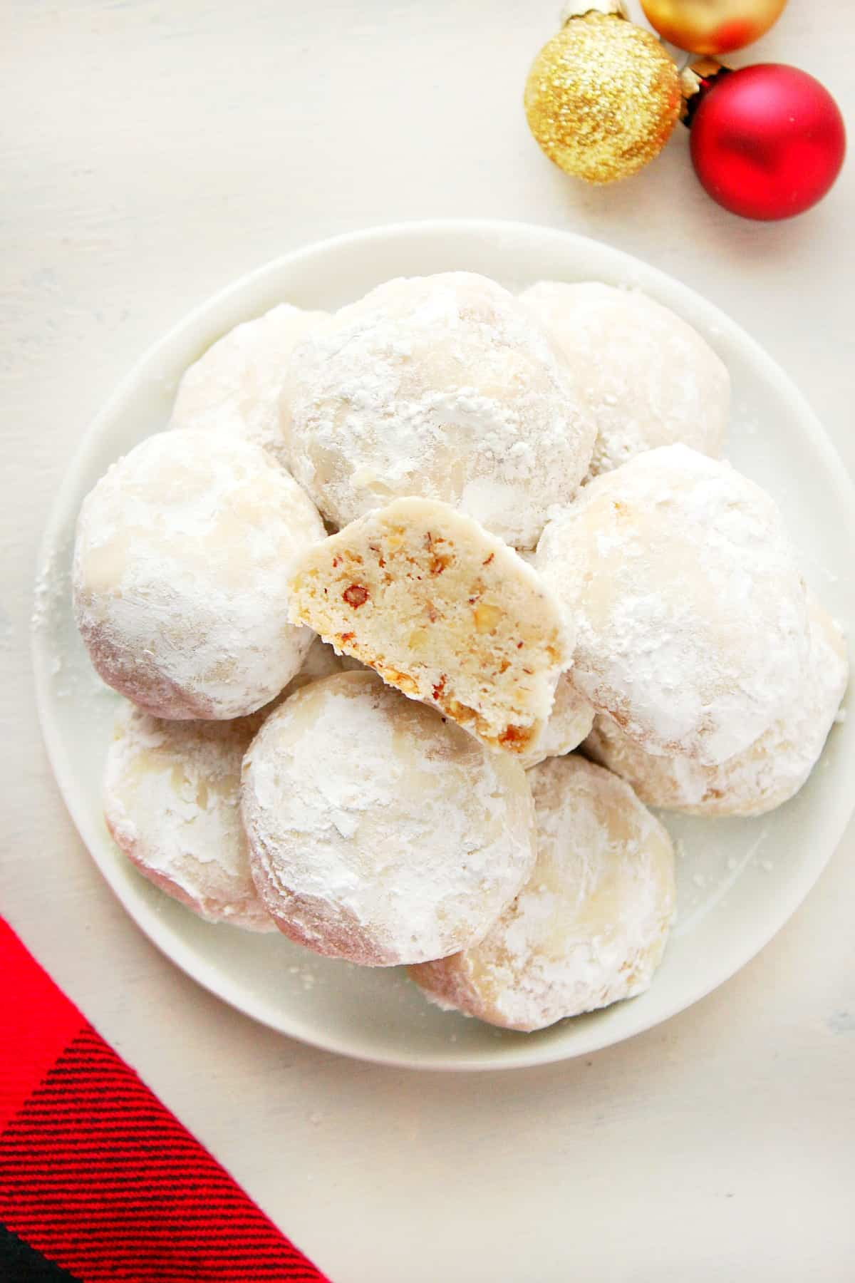 Snowball Cookies C Classic Snowball Cookies