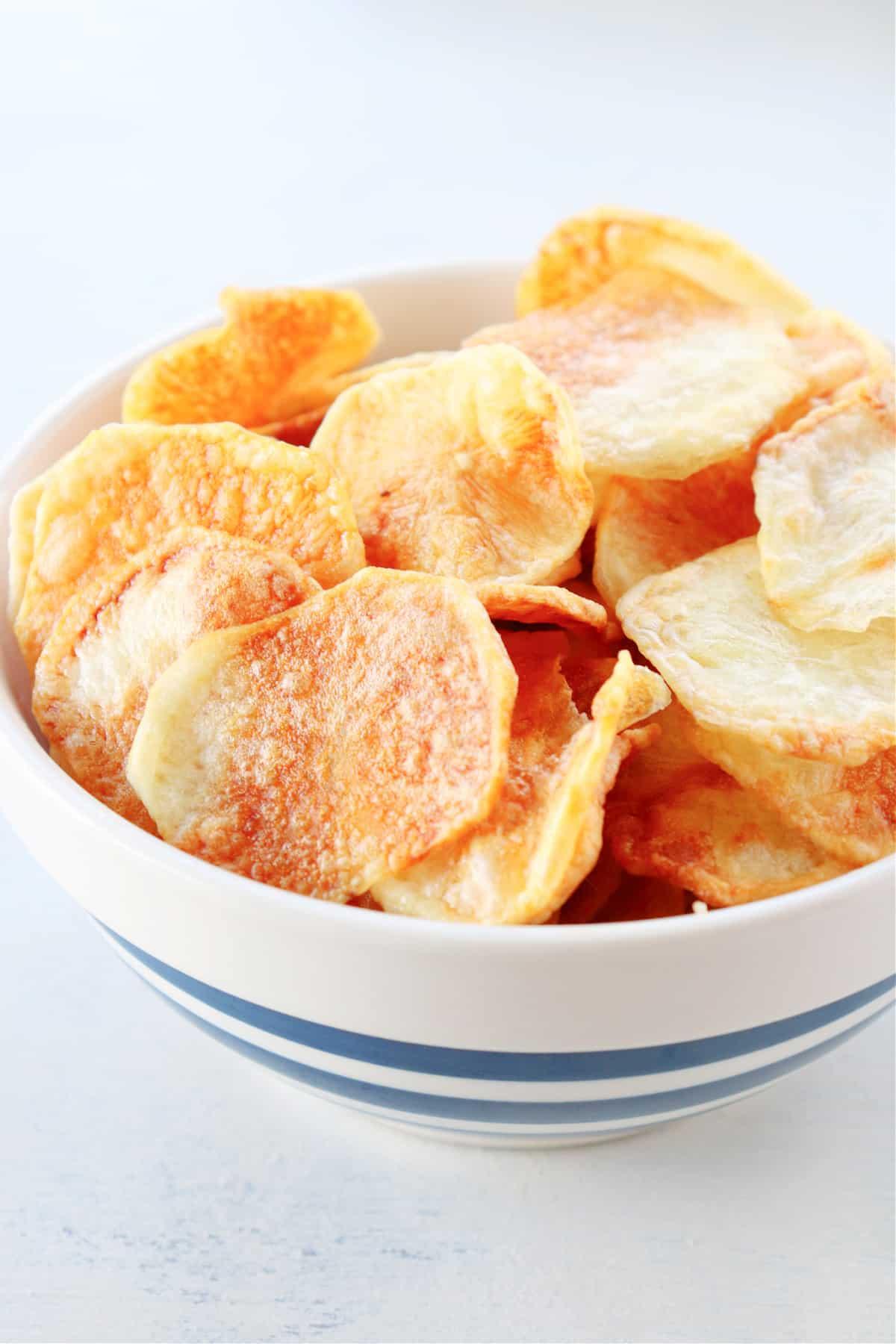 air fryer potato chips 2 Air Fryer Potato Chips