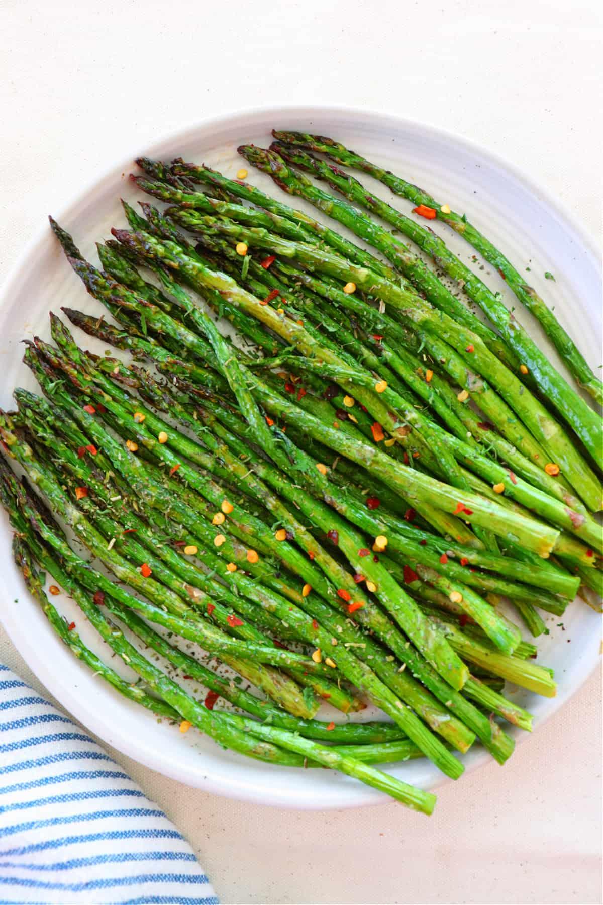 air fryer asparagus 1 Air Fryer Asparagus