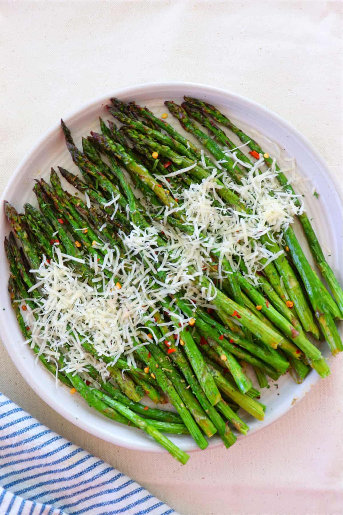 air fryer asparagus 2 Air Fryer Asparagus