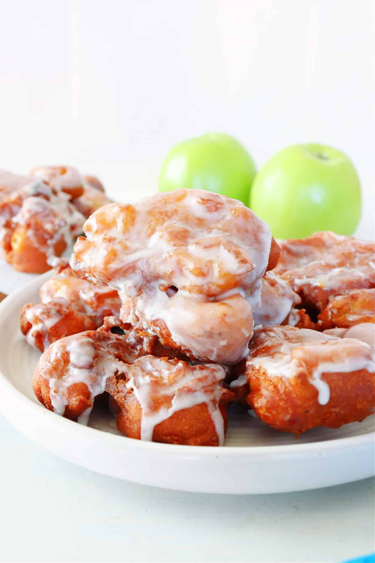 apple fritters 3 Easy Apple Fritters