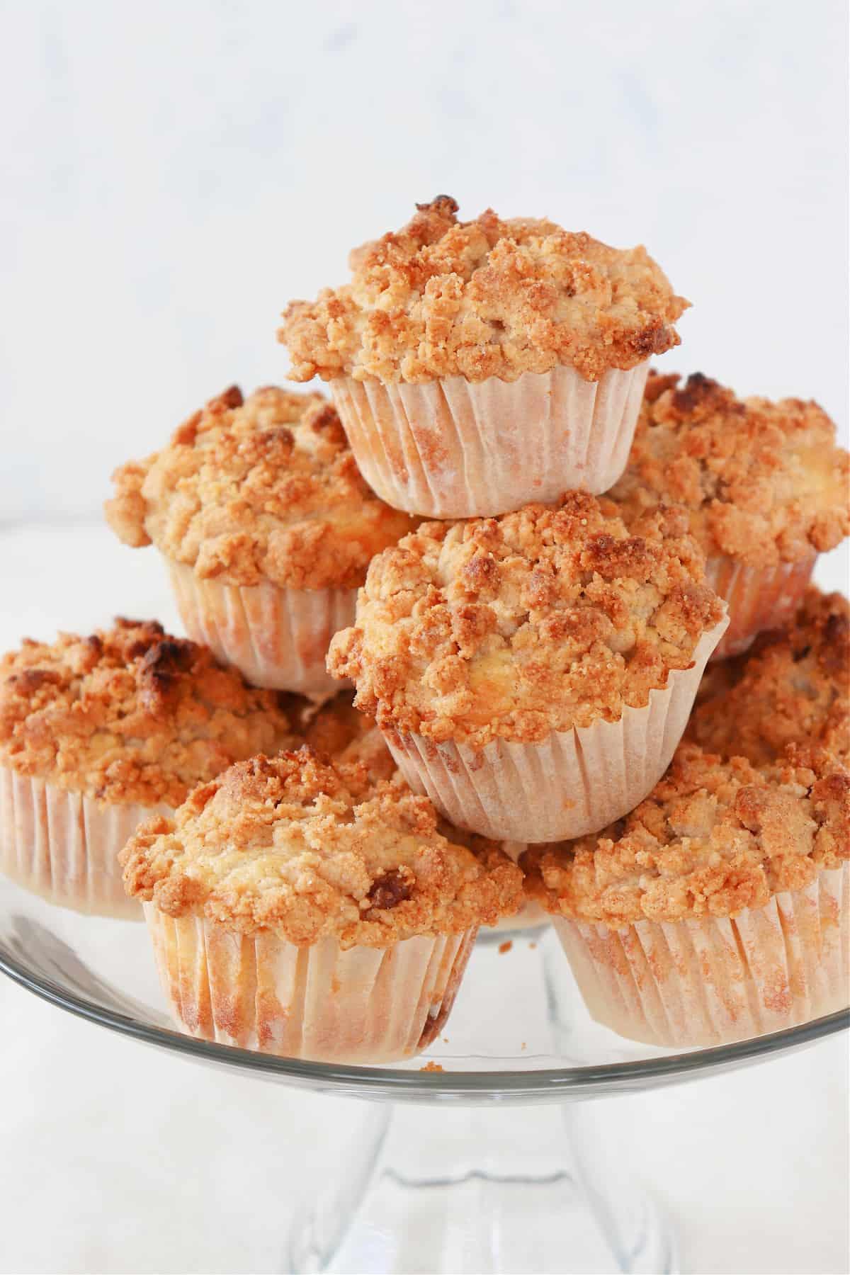 apple crumb muffins 3 Apple Crumb Muffins