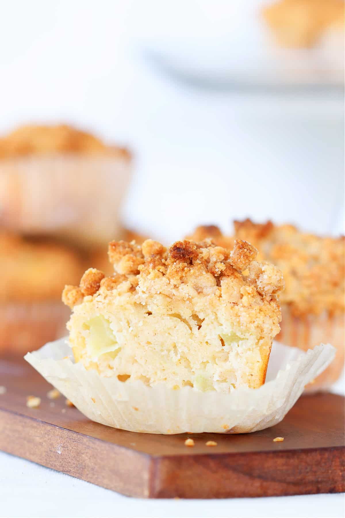apple muffins 1 Apple Crumb Muffins